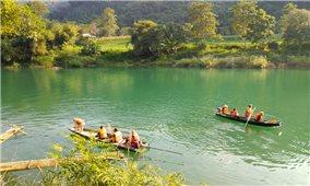 Vụ lật thuyền ở Hà Giang: Tìm thấy thêm thi thể 2 em học sinh
