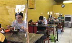 Từ 6h ngày 14/10: Xe buýt, taxi, dịch vụ ăn uống tại chỗ được mở lại tại Hà Nội
