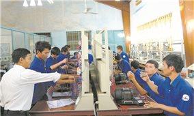 Liên kết đào tạo giữa nhà trường với doanh nghiệp: Xu hướng tất yếu