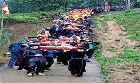 Từ giáo viên thể dục đến nhà nghiên cứu văn hóa Thái