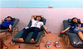 Vùng đất nghèo xem hiến máu là hạnh phúc