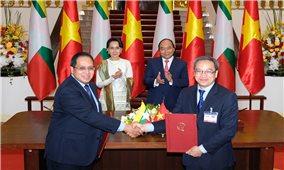 Chùm ảnh: Thủ tướng đón, hội đàm với Cố vấn Nhà nước Myanmar