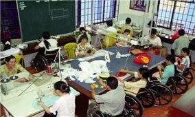 Tạo việc làm cho người khuyết tật: Cần sự quan tâm của toàn xã hội