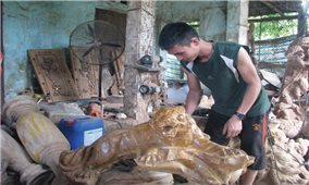 Khởi nghiệp từ điêu khắc gỗ
