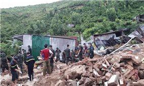 Mưa lũ tàn phá tỉnh Khánh Hòa