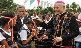 Đồng bào Công giáo chung sức xây dựng quê hương