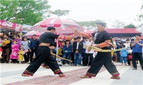 Truyền nhân của những điệu múa võ khèn