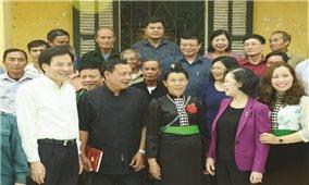 Trưởng ban Dân vận Trung ương Trương Thị Mai làm việc tại Điện Biên