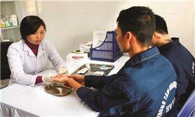 Bệnh nhân điều trị HIV/AIDS bằng thuốc ARV từ BHYT: Tính nhân văn và ưu việt của chính sách