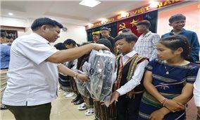 Ủy ban Dân tộc: Gặp mặt đoàn học sinh Trường Phổ thông Dân tộc nội trú THCS huyện Đơn Dương, tỉnh Lâm Đồng