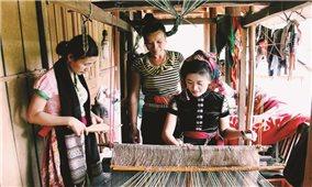 Quế Phong (Nghệ An): Huyện nghèo khởi sắc từ thực hiện chính sách dân tộc