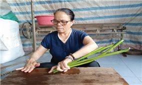 Nghệ nhân Ưu tú Phan Thị Thuận: Nâng giá trị nghề dệt truyền thống từ sợi tơ sen