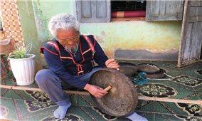 Nghệ nhân R'Cơm Hmyơk giữ hồn văn hóa truyền thống