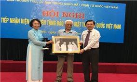 Nhiều hiện vật quý được hiến tặng cho Bảo tàng Mặt trận Tổ quốc Việt Nam
