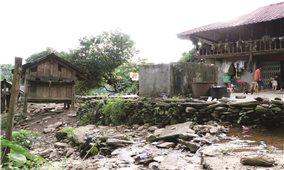 Hàng trăm hộ dân sống trong vùng nguy hiểm ở Phong Thổ (Lai Châu): Chậm di dời vì thiếu kinh phí