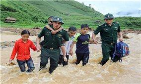 Thủ tướng đề nghị bảo đảm an toàn cho học sinh vùng mưa lũ miền Trung