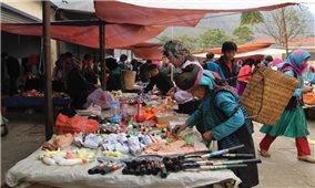 Cần xác định tính đặc thù trong xây dựng chợ miền núi