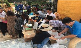 Quảng Ninh: Nhiều câu lạc bộ thiện nguyện tặng quà cho trẻ em DTTS nghèo