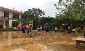 Các tỉnh Bắc miền Trung Khắc phục hậu quả mưa lũ, sớm đưa học sinh trở lại trường