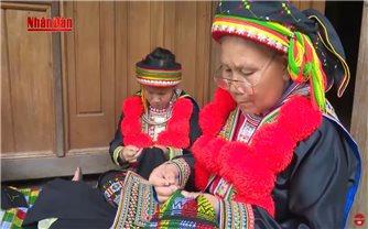 Sắc màu dân tộc: Vẻ đẹp trang phục người Dao
