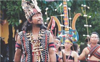 Già làng A Lăng Đợi: Mang văn hóa Cơ-tu xuống phố