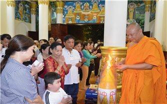 Dâng đèn hạ - nét đẹp truyền thống của đồng bào Khmer