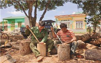 Làng Breng, xã Ia Pết, huyện Đăk Đoa (Gia Lai): Gìn giữ nghề làm cối gỗ truyền thống