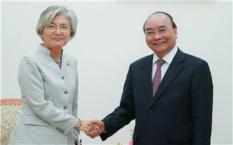 Thủ tướng tiếp Bộ trưởng Ngoại giao Hàn Quốc