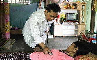 Bác sĩ hết lòng vì người nghèo