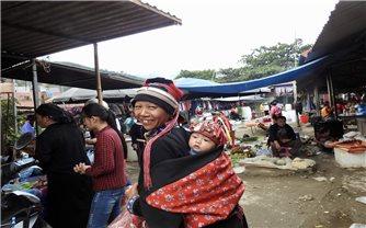 Đi chợ phiên Yên Minh