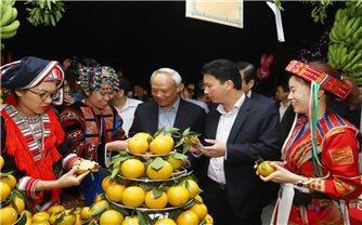 Khai mạc Liên hoan ẩm thực, giới thiệu sản phẩm đặc trưng và Triển lãm ảnh 8 tỉnh Tây Bắc mở rộng