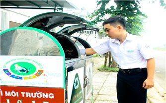 Học sinh Quảng Ngãi sáng tạo thùng rác thông minh