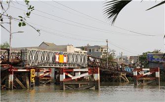 Huyện Nhà Bè (TP. Hồ Chí Minh): Người dân thấp thỏm vì nỗi lo cầu sập