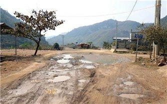 Sớm nâng cấp tuyến đường qua vùng rốn lũ Nặm Păm