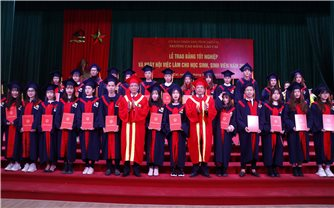 Hàng trăm sinh viên DTTS có việc làm ngay sau khi tốt nghiệp