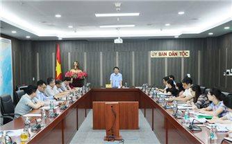 Bộ trưởng, Chủ nhiệm UBDT Hầu A Lềnh làm việc với Vụ Dân tộc thiểu số
