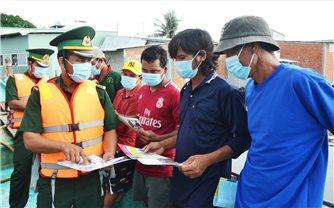 Kiên Giang: Ngư dân sát cánh cùng bộ đội Biên phòng trên mặt trận chống dịch