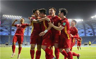 Chủ tịch nước, Thủ tướng và Chủ tịch Quốc hội chúc mừng đội tuyển Việt Nam