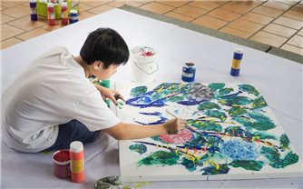 Vẽ và bán tranh hỗ trợ phòng chống dịch Covid-19