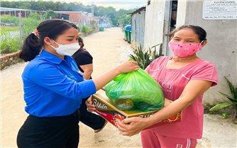 Tuổi trẻ Bình Phước gửi 900 túi quà an sinh đến vùng dịch