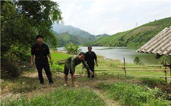 Người có uy tín La Tài Quan - Điểm tựa của người dân thôn Thác Tiên