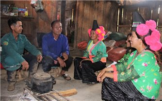 Người có uy tín và những bản làng giàu đẹp ở Sơn La