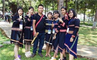 Nghệ nhân trẻ người Jrai chế tác hơn 30 nhạc cụ dân tộc