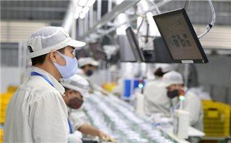 Gần 50% doanh nghiệp không cắt giảm nhân sự, giữ nguyên lương