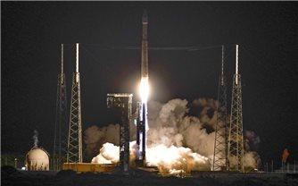 Tàu săn tiểu hành tinh của NASA mang theo kim cương bắt đầu cuộc