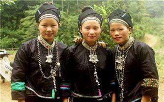 Giản dị - trang phục truyền thống của người Nùng