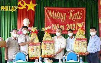 Ban Dân tộc tỉnh Bình Thuận chúc Tết Katê đồng bào Chăm