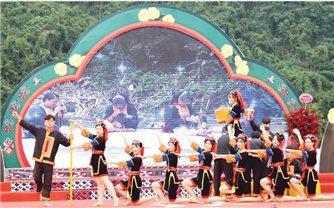 Đưa Lễ hội Bàn Vương của đồng bào Dao trở thành ngày hội