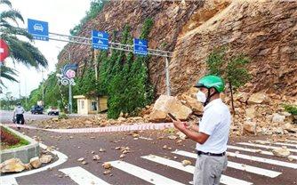 Bình Định: Sạt lở núi ở trung tâm TP. Quy Nhơn, 3 người bị thương