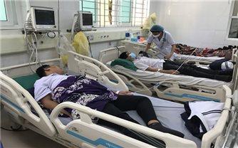 """Quảng Ninh: Xử phạt quán cà phê cung cấp """"kẹo lạ"""" khiến 13 học sinh ngộ độc"""